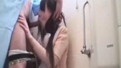 トイレでいきなり患者に襲われイラマチオ、生挿入、激ピストンされてしまうかわいいナース